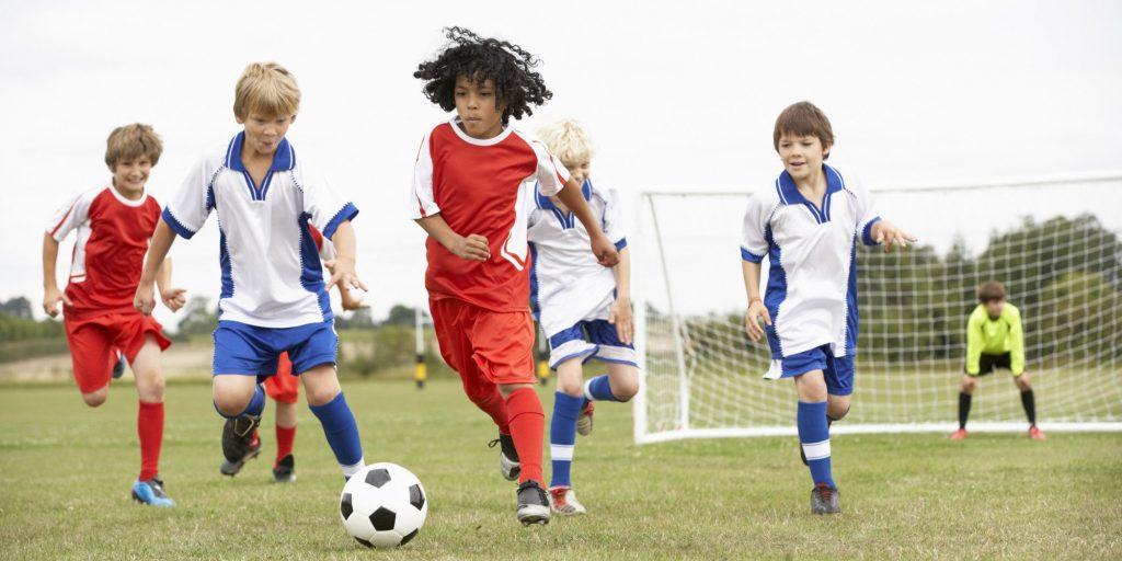 10 Manfaat Kesehatan dari Olahraga Sepak Bola